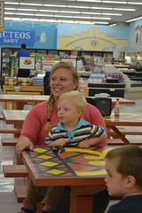 06.20.18 Out & About Storytime at Supermercado (Omaha Public Library) Tags: omahapubliclibrary southomahalibrary summerreadingprogram librariesrock supermercado storytime outaboutstorytime omaha southomaha grocerystore groceries books reading kids children librarian family learning community