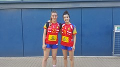 Las guerreras Anne Erauskin y Mirene Moreno, en Hungría.