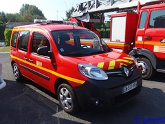 SDIS 60 (rescue3000) Tags: renault kangoo service départemental incendie secours oise sdis 60 sdis60 departmental fire rescue centre cs mouy center véhicule liaison chef groupe vlcg vehicle connection team leader sapeurspompiers sapeurs pompiers pompier firefighters voiture journée porte portes ouverte ouvertes open day