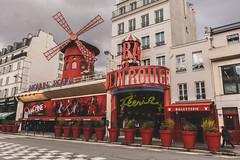 Paris - Le moulin rouge (baridue) Tags: parigi paris moulin rouge francia capitale europa