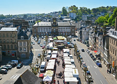 130MorlaixTown&MarketFromViaduct (geomappingunit) Tags: brittany 2018 fieldtrip geography morlaix viaduct market townhall mairie