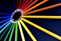Óculo (Osruha) Tags: óculo òcul oculus lápices llapis pencils color colour composición composició composition líneas línies lines nikon nikonistas d750