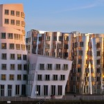 Gehry buildings at Medienhafen thumbnail