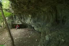 abri sous roche du Bois des feuilles- Zone Est - Nans Sous Sainte Anne (francky25) Tags: abri sous roche bois de feuilles zone est nans sainte anne karst phénoméne karstique franchecomté doubs verneau