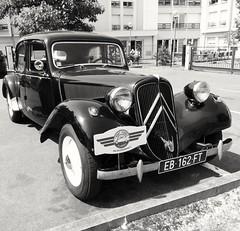 une belle ancienne (dbrothier) Tags: automobile traction citroën oldcar vieillesvoitures zenfone asus 7dwf bw nb