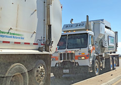 Garbage Truck 7-2-18 (5) (Photo Nut 2011) Tags: california garbagetruck trashtruck sanitation wastedisposal waste truck garbage junk trash refuse sandiego peterbilt 815340 miramar