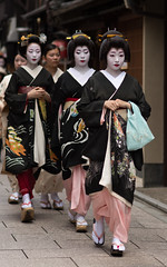 procession (byzanceblue) Tags: 京都 gion maiko japan kyoto japanese dance woman girl female cute lovely beautiful beauty 舞妓 舞踊 geisha kimono traditional geiko kanzashi formal 祇園 black 花街 white color colour flower nikkor background people photo portrait professional lady lovery 芸妓 着物 bokeh 節分 red traditonal 平安神宮 奉納舞 祇園小唄 祇園甲部 nakagishi 中支志