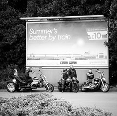 Dissenting Voices (singinghedgehog) Tags: 365the2018edition 3652018 day195365 14jul18 project365 mono monochrome streetphotography street bikes bikers hellsangels