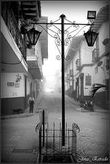 Amanece (jota_estrada) Tags: mist niebla arquitectura sonson antioquia colombia blancoynegro blackandwhite bw