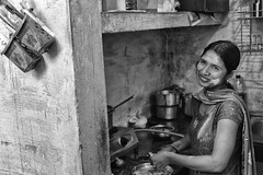 Indian woman (Claudia Merighi) Tags: kitchen india ritratto portrait portraiture portraits blackandwhitephotos blackandwhiteonly blackandwhite bnbwbwbiancoenero bw people ricoh claudiamerighi