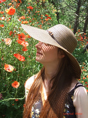 Girl with poppies... (Szemeredi Photos/ clevernails) Tags: girl poppy flower strawhat sun holiday composition natur hair walk romantic smile love spain segovia summer shadow light line