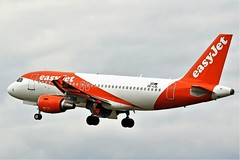 OE-LQL EASYJET AIRBUS NEWCASTLE (toowoomba surfer) Tags: jet aeroplane aviation aircraft airline airliner ncl