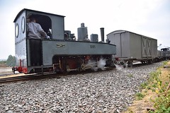 Heinschel Brigadelok No.1091 attaches to the WD Ambulance Wagon & open bogie wagons. Tracks to the Trenches, Apedale Railway. 13 07 2018 (pnb511) Tags: trackstothetrenches ww1 apedalelightrailway narrowgauge staffordshire trains locomotive railway steam engine heinschel brigadelok 080 side tank no1091