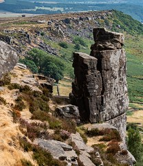 pinnacle on curbar edge (Royston King) Tags: curbaredge peakdistrict derbyshire nationalparks landscapes rocks g9