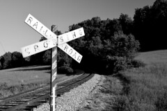 Vintage railroad crossbuck (SchuminWeb) Tags: schuminweb ben schumin web may 2018 sabillasville maryland md frederick county midland railway marylandmidlandrailway railroad rail road crossing crossings crossbuck cross buck crossbucks bucks sign signs signage vintage old older transportation rails transport roads railroads train trains freight track tracks mmid fort ritchie skunk hollow fortritchie skunkhollow
