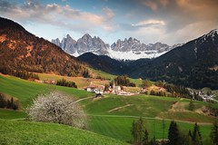 Funes Valley (Kevin.Grace) Tags: funes valley italy dolomites dolomiti landscape mountains odle church tree