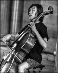 Musique au Louvre (sistereden2) Tags: musicien 75mm zuiko em5markii olympus