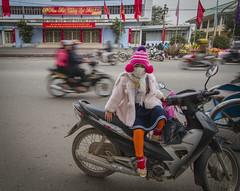 Traffic, Hué (Rossyplaya) Tags: retrato streetphoto streetphotography traffic trafico vietnam hué movimiento movement carretera