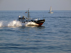 18063000952battello (coundown) Tags: genova battello porco panorama scorci barca barche navi lanterna spiagge viste pilota pilot