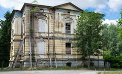 A little dilapidated (HWW) (KPPG) Tags: hww dilapidated building ruine ruin abandoned verlassen architektur architecture windows