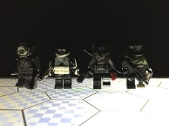 Space Pirates (or something) (Yappen All Day Long) Tags: lego space pirates brickarms eclipsegrafx custom halo brickforge star wars