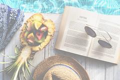 668225960 (bluehavenpoolsandspas) Tags: kiwifruit poolsunglass itssummertime thailand tha