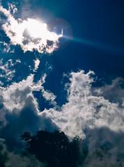 Untitled (G.G.B.) Tags: himmel sonne wolke ciel cloud nuage sky soleil sun