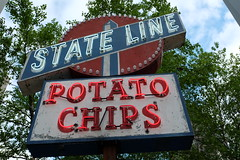 State Line Potato Chips (dangaken) Tags: bos boston bostonma ma mass massachusetts colonial freedomtrail newengland northeast usa america summer fuji fujinon fujifilm fujixt10 neon sign neonsign statelinepotatochips chips potato potatochips snack dgaken dangaken photobydangaken