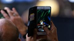 Snapmachin ? (Alexandre LAVIGNE) Tags: hdpentaxdfa150450mm leselyziks2018 louisengival pentaxk1 saintquentin ridsa ambiance artiste chanteur concert dj foule huawei k1 micro rappeur scène smartphone snapchat picardiehautsdefrance france