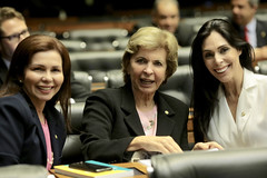 06/06/18 - Deputada no Plenário. Com Geovania de Sá (PSDB/SC) e Conceição Sampaio (PSDB/PA)