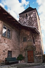 SF_21A_00183 - A old castle or decaying mansion in the village of Vuippens, Gruyere Region, Switzerland (Valentin Vuichard) Tags: valentin vuichard valentinvuichard vv gruyère greyerz fribourg freiburg freiburger fribourgeoises suisse schweiz switzerland préalpes alps alpen mountain mountains berg bergen montagne montagnes prealps voralp voralpen préalpe alpage alpestre paysage country landschaft landscape landwirtschaft canon eos agriculture rural decay rusted old abandonned abandonnée ruine ruines ruined détruits insalubre patrimoine bâtiment ancient habitation chateau château castel manoir mansion manor house medieval moderntimes vuippens marsens tower 16th 13th century