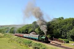 GWR 813: Smoky Departure (Gerald Nicholl) Tags: steam engine loco train irwellvale elr eastlancashirerailway lancashire bury rawtenstall 060st hudswellclarke gwr 813 station locomotive