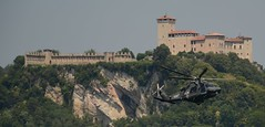 Arona Air Show 2018 - HH 139  Aeronautica Militare - Sullo sfondo la Rocca di Angera (marko1366) Tags: arona elicottero