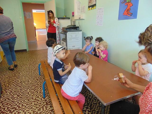 Photo 4 - Les enfants du multi-accueil découvrent l'école