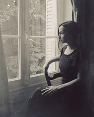 Time won't let go (soleá) Tags: classic justlikefilm vintage portrait profile chateau france carmengonzález soleá fineartphotography monochrome blackandwhite bnw interiors woman window introspection reminiscing