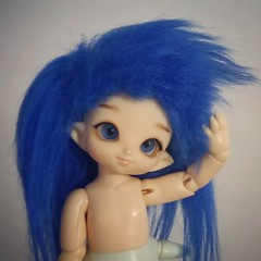 """I like having long hair, I don't know why girls complain about it!"" (Ali Kagura) Tags: bjd balljointeddoll doll muñeca dollphotography portrait dollportrait bjdportrait puki pukipuki mermaidbjd mermaid shark sirena tiburón sirenamuñeca muñecasirena cupid pukicupid pukipukicupid poseidon pukiposeidon pukipukiposeidon"