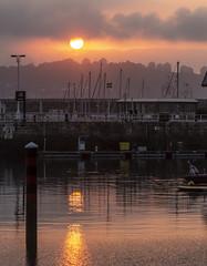 Puesta de sol. Puerto deportivo. Gijón. (David A.L.) Tags: asturias asturies gijón puestadesol atardecer puertodeportivo puerto sol agua