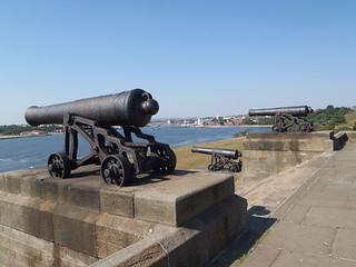 32 pdr 9'6 in Iron Gun