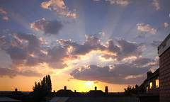 Sunset at Mums (Mel_is_Moving) Tags: sky sunset clouds rooftops olympus pen epl6 microsoftice