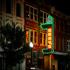 IMG_5436 (JPEGG Images / Jacob Pegg) Tags: night tennessee franklin usa canon south city old 6d country buildings building motion