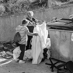 20180520-_MG_6225 (Elliot Sampford) Tags: orihuelacosta people peopleinlife recycle scavenger spainrubbish curtains recycling scavengers