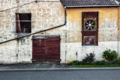 Farmhouse Facade (Claudia G. Kukulka) Tags: steinbach altertheim facade fasade window fenster door tür tor