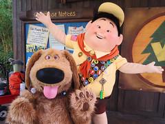 Dug and Russell (meeko_) Tags: dug dog russell wildernessexplorers up pixar characters disneycharacters pixarcharacters discoveryisland dugandrussellswildernessexplorersclubhouse disneys animal kingdom disneysanimalkingdom themepark walt disney world waltdisneyworld florida explore