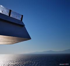 luz del Egeo - light of the Aegean (jesuscm_Huawei P20 series) Tags: barco ship crucero cruise luz light mar sea sol sun egeo aegean grecia huaweip20 jesuscm