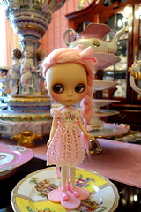 A little bit of PINK... (Primrose Princess) Tags: pink blythe doll ooakblythe pinkalpacareroot chinalilly kaleidiscopekustoms princess blythedoll mypinkheaven dollydreamland frenchporcelain dresden sevres france paris versailles marieantoinette queenoffrance