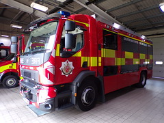 6023 - GMFRS - PO18 TVW - 101_1838 (Call the Cops 999) Tags: uk gb united kingdom great britain england north west 999 112 emergency service services vehicle vehicles frs fire and rescue gmfrs greater manchester tru ashton under lyne po18 tvw rosenbauer at technical response unit