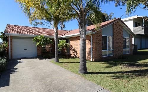 24 Truscott Av, Sanctuary Point NSW 2540