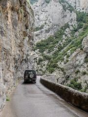 Gorges de Galamus (RIch-ART In PIXELS) Tags: saintpauldefenouillet occitanie france pyrénéesorientales gorges cliff road rocks canyon fujifilmxt20 xt20 pyrénées gorgesdegalamus mountain car rock