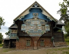 The russian house s carving in Flyonovo old russian village museum Smolensk Russia (trinh_huong_ocean) Tags: russia russian city overview