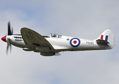 Spitfire (Graham Paul Spicer) Tags: riat airtattoo tattoo ffd fairford raffairford airfield aircraft plane flying aviation display airshow uk